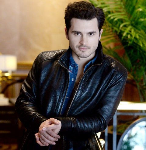 man-candy-monday-michael-malarkey-3