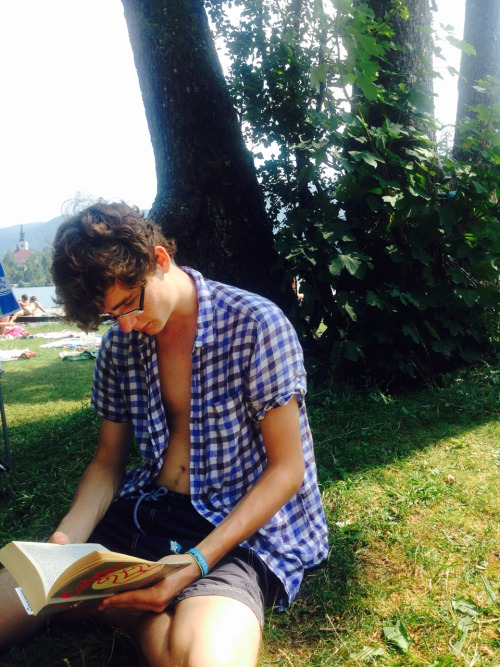 Hot Guys Reading