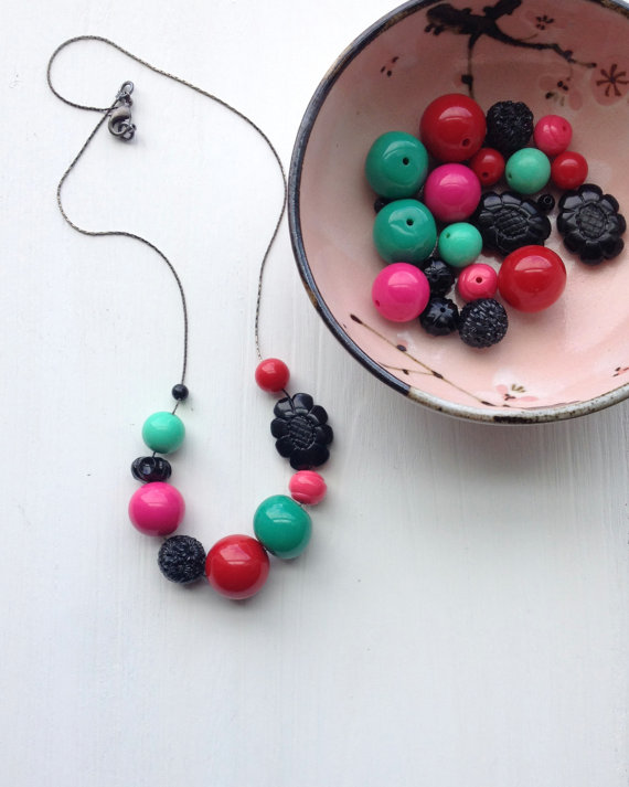 urbanlegend beaded lucite necklace